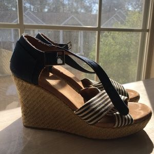 Blue striped Toms wedges